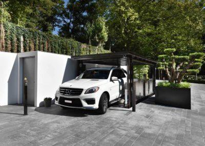 Aarding Car Lifts - BMW op Bemande Autolift IP1-CM MOB 25